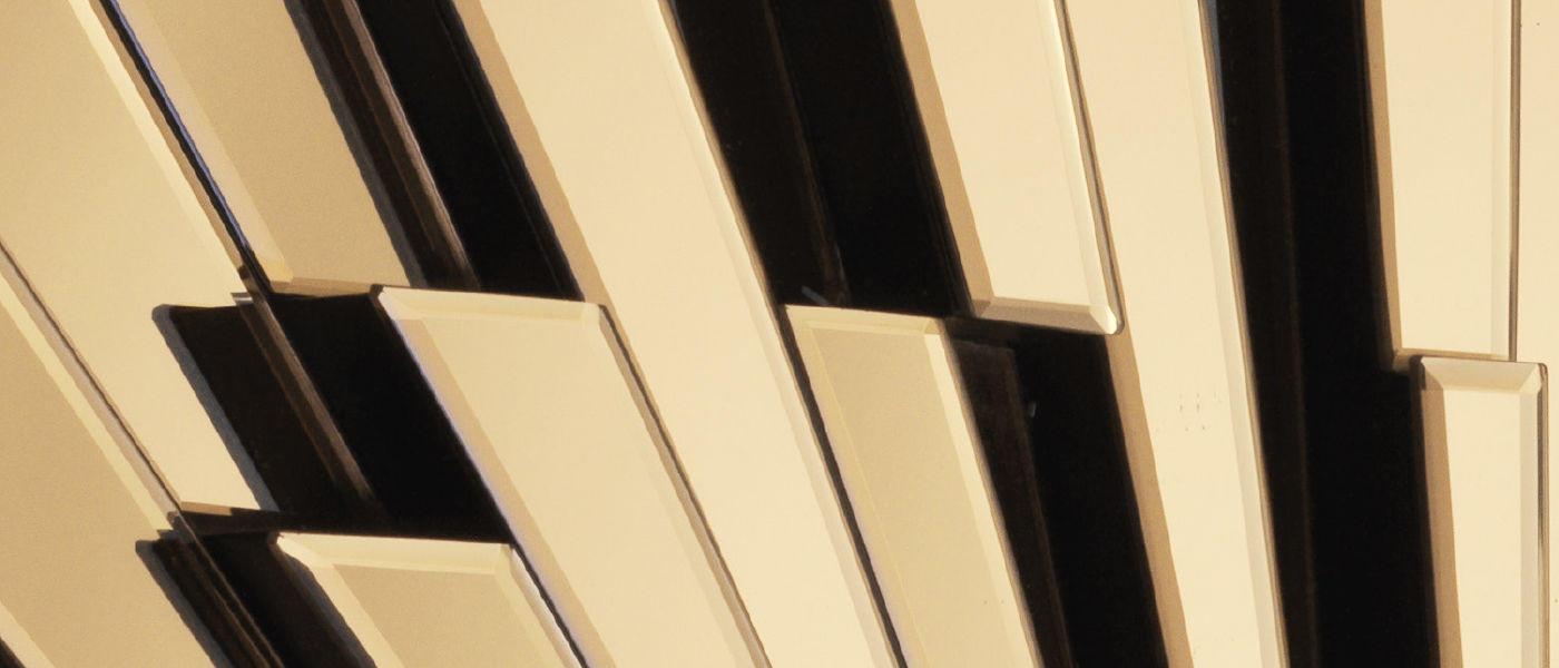 Mirror detail