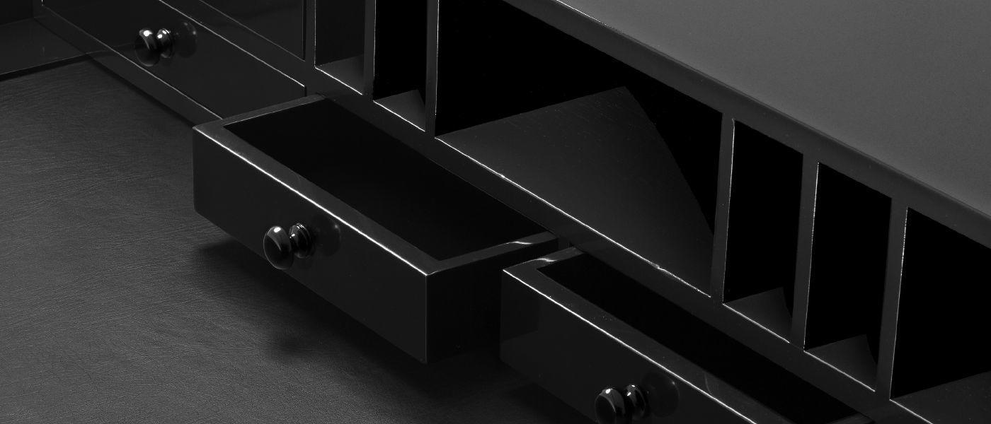 Lacquered wood detail