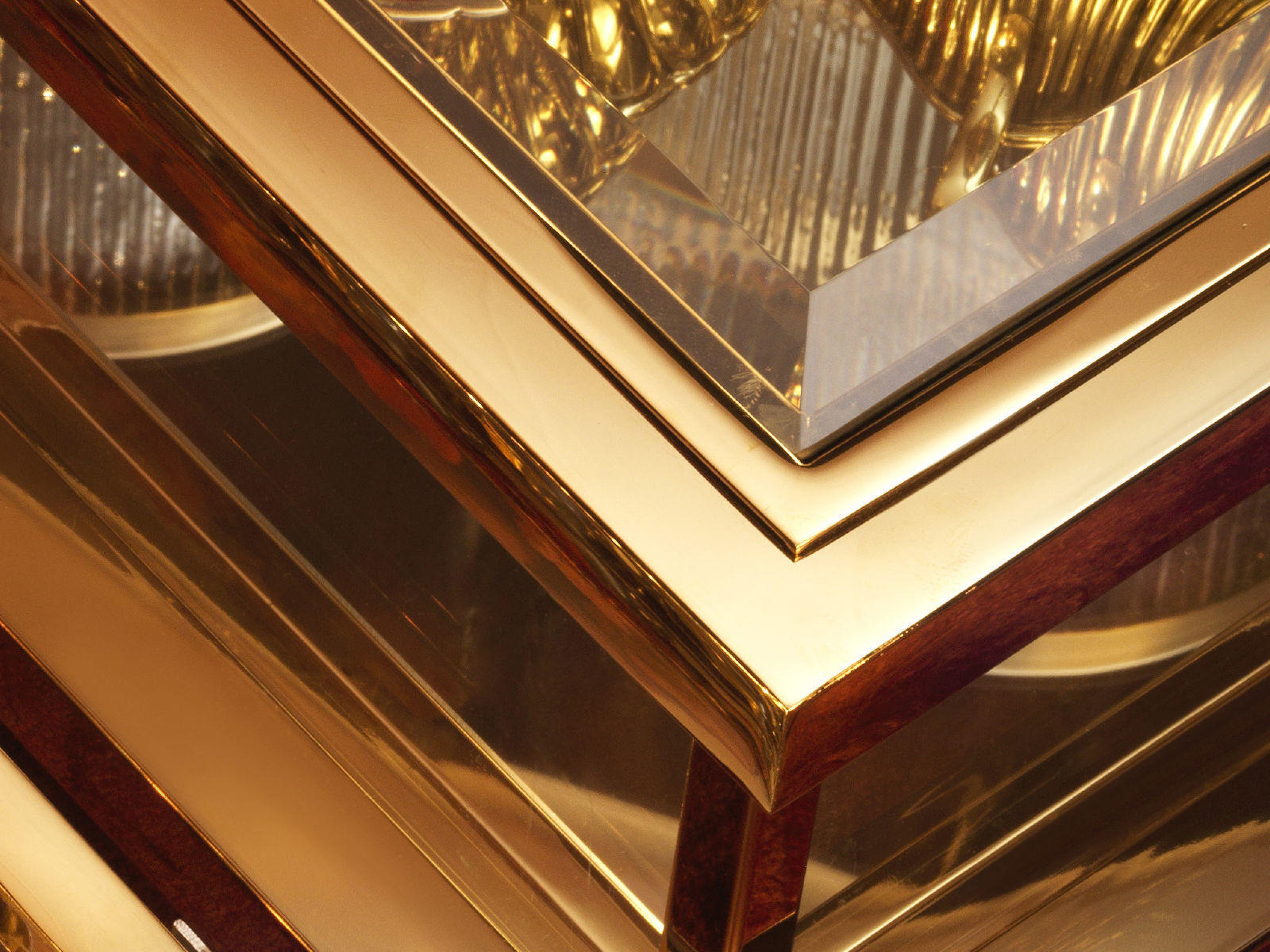 Metallic finishes and glass detail
